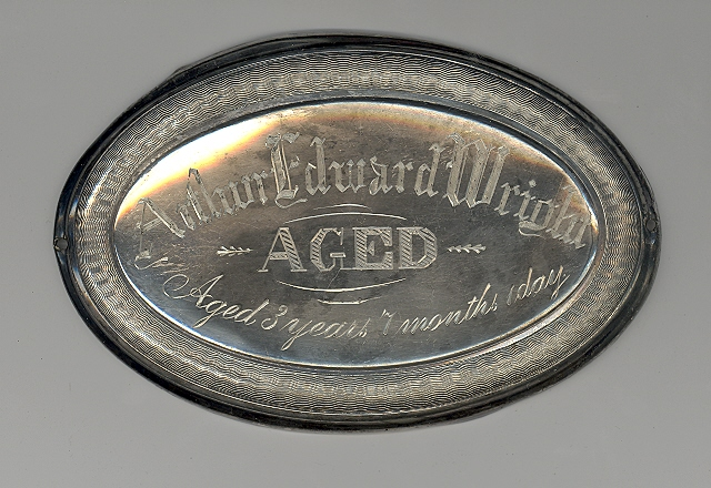The Free Genealogy Death Record on the Coffin Plate of Arthur Edward Wright