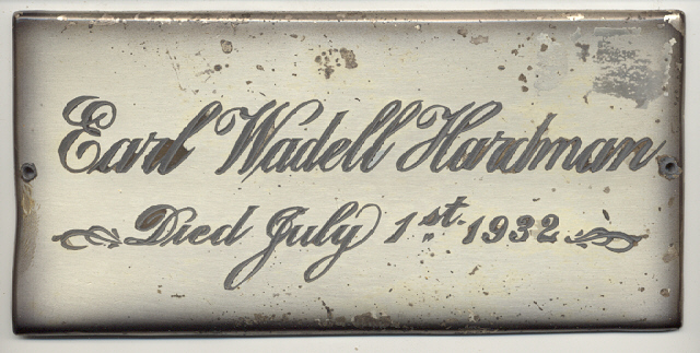 The Free Genealogy Death Record on the Coffin Plate of Earl Wadell Hardman 1920 ~ 1932