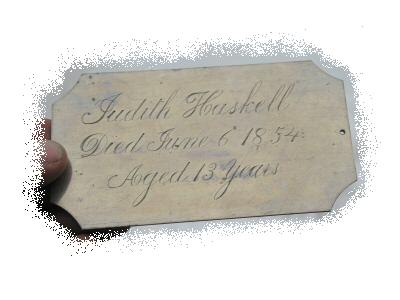 The Free Genealogy Death Record on the Coffin Plate of Edward Haskell and Judith Haskell